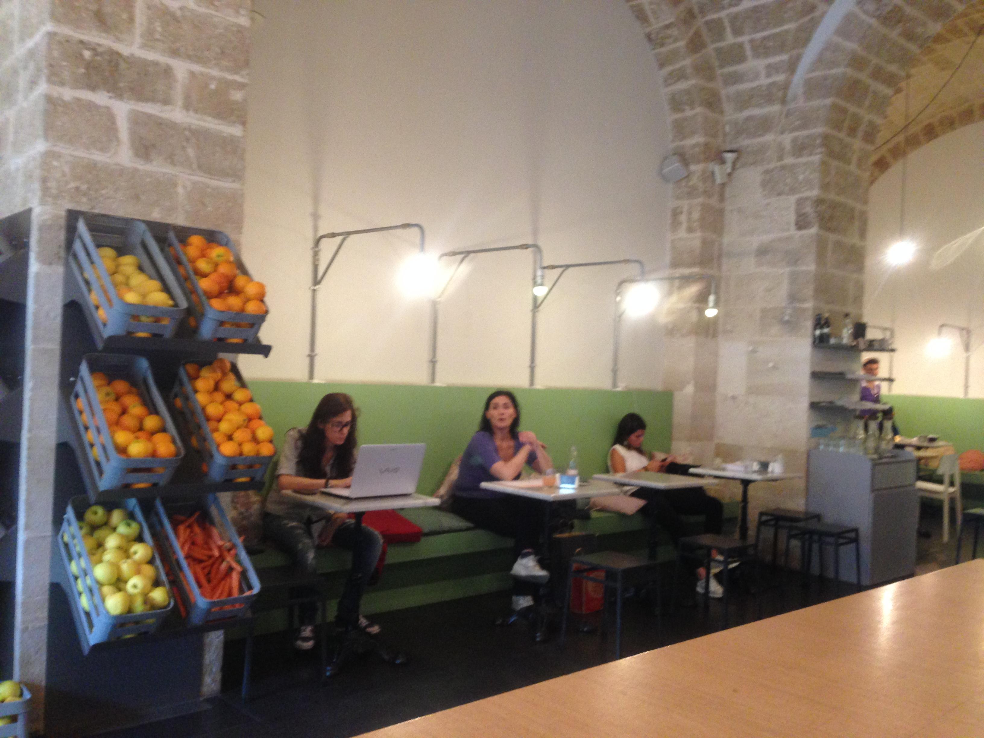 Frulez il bistrot mediterraneo leggi la case history for Arredamento bistrot