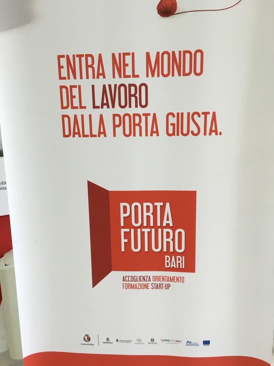 05- secondo cartellone porta futuro